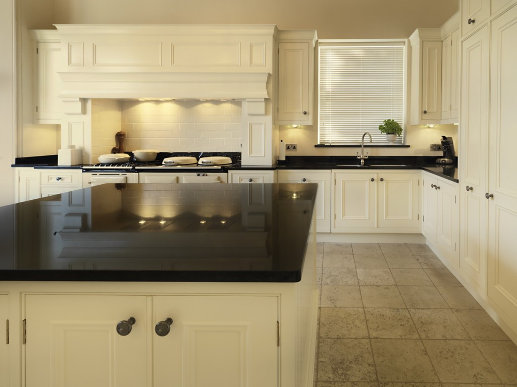 Darren_Peirce_kitchens-Warberry-06