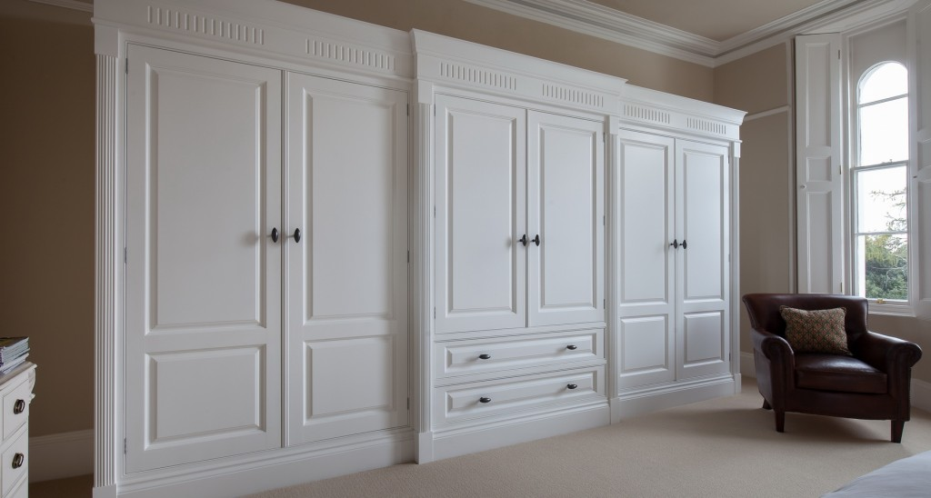 darren-peirce-commercial-wardrobes_01
